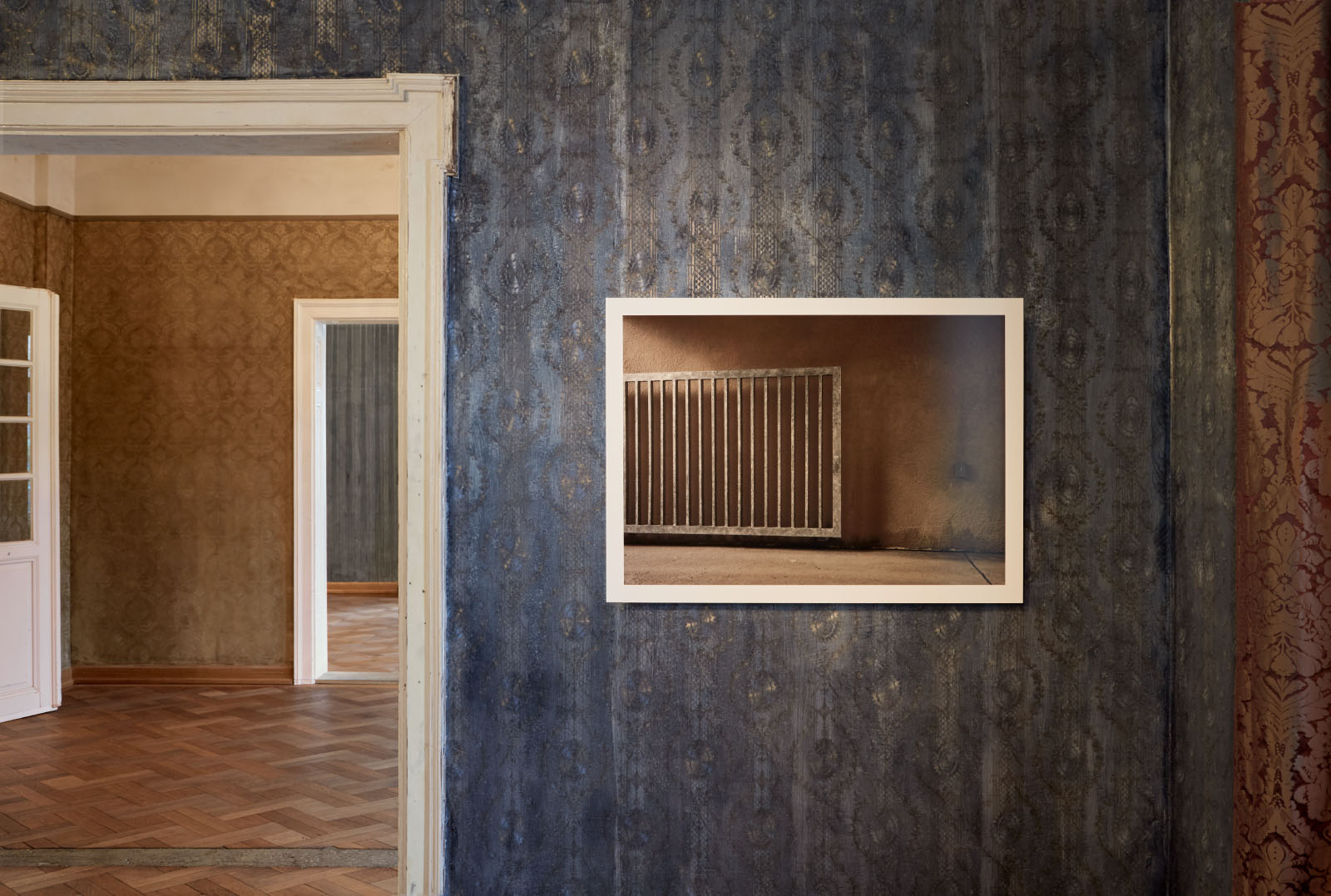"""Installationsansicht aus der Einzelausstellung """"MEANWHILE"""" von Oliver Boberg"""
