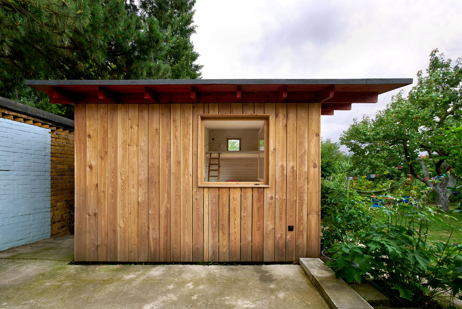 "<a href=""http://www.ko-ok.cc"" target=""_blank"">Gartenhaus an der Tabaksmühle // Fabian Onneken // KO/OK Architektur // www.ko-ok.cc</a>"