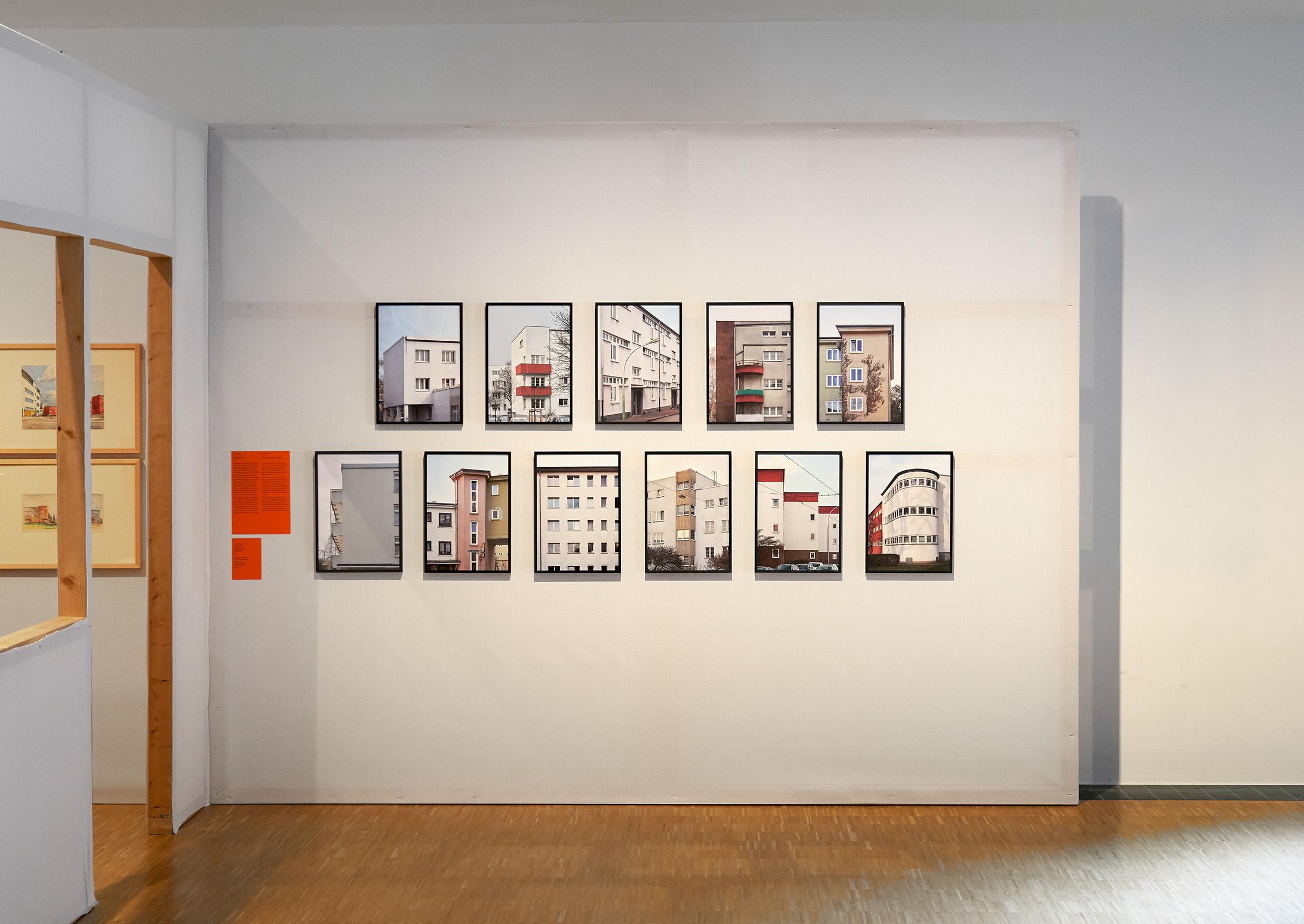 Freie Arbeit: Siedlungsbilder, 2019. Ausstellungsansicht im Historischen Museum Frankfurt am Main. Gruppenausstellung: Wie wohnen die Leute? 15. Mai – 13. Oktober 2019